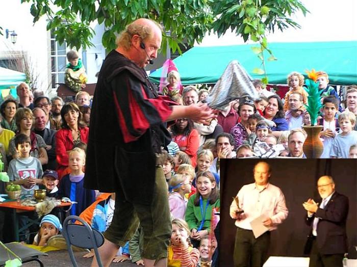 Bagatelli als Gaukler beim Mittelalter-Spektakel in Köln / rechtes kleines Bild: Preisverleihung durch den Präsidenten des MZvD (rechts unten)